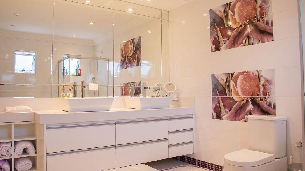 architecture-bathroom-contemporary-280209-1044x587[1]