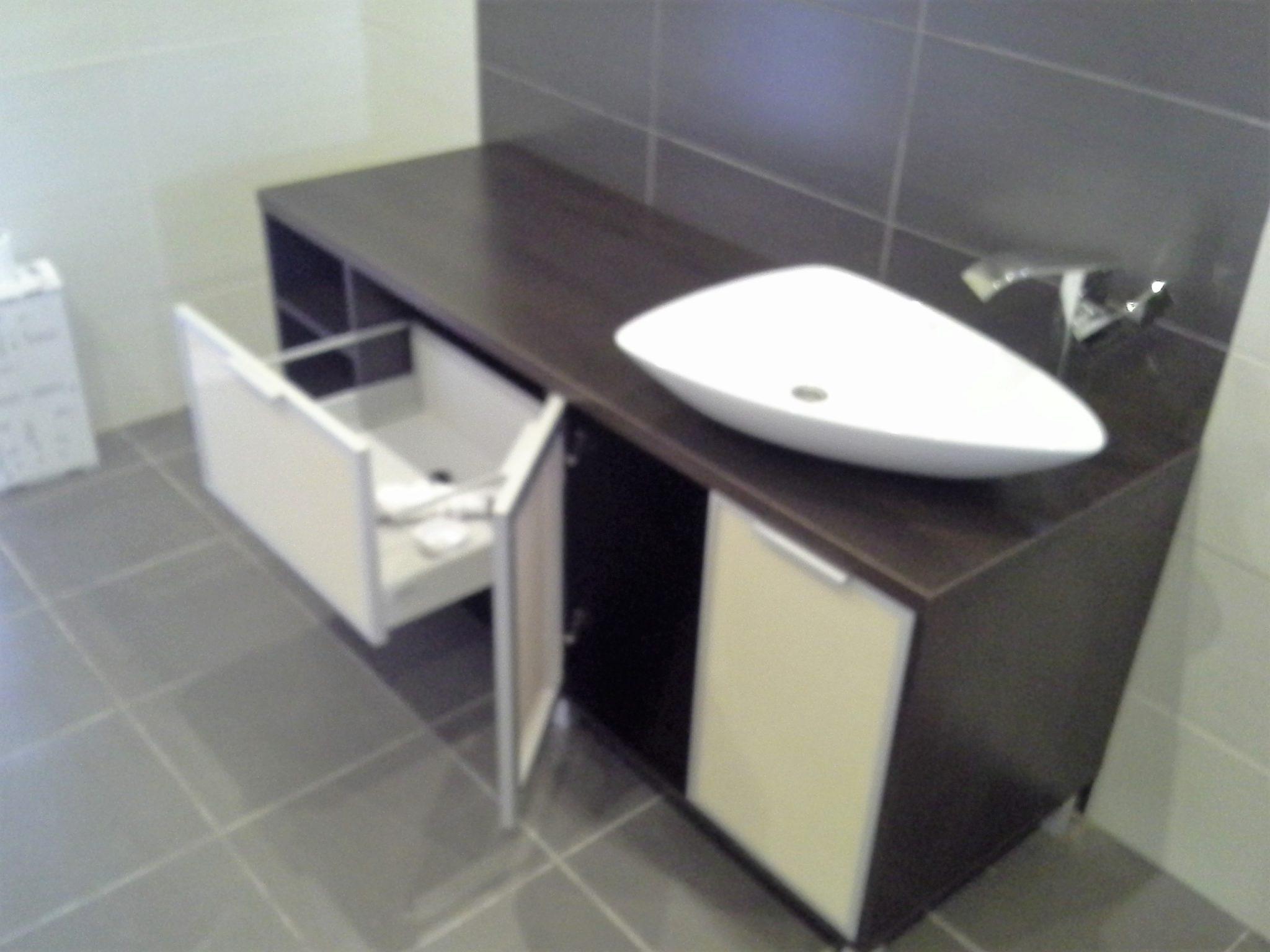 szafka łazienkowa 1